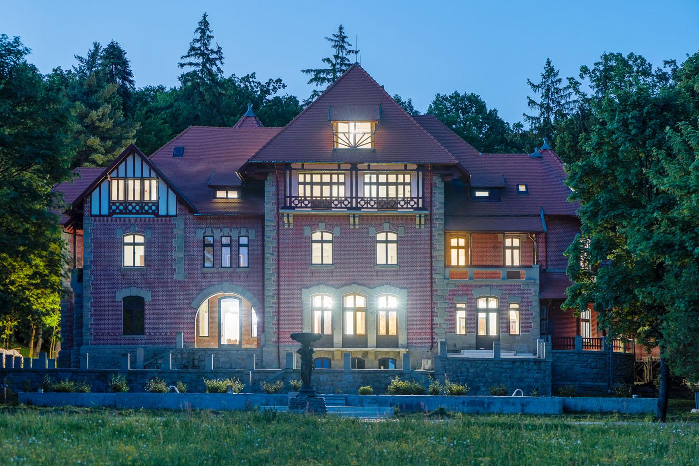 https://www.sothebysrealty.ro/wp/wp-content/uploads/2019/07/Palat-Stirbey-Darmanesti-Bacau-Romania-1.jpg